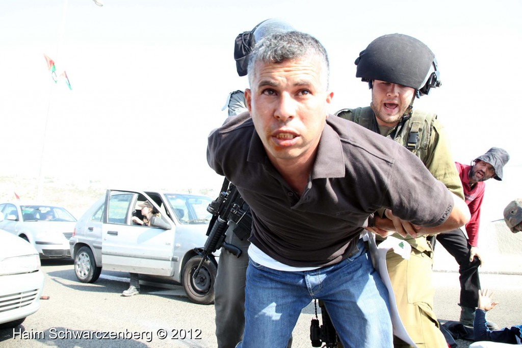 Palestinian and activists blocked Route 443 | IMG_1761
