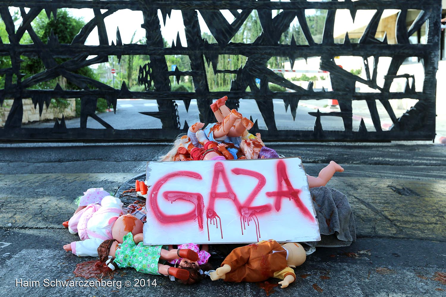 Direct Action against the Massacre in Gaza at Yad Vashem
