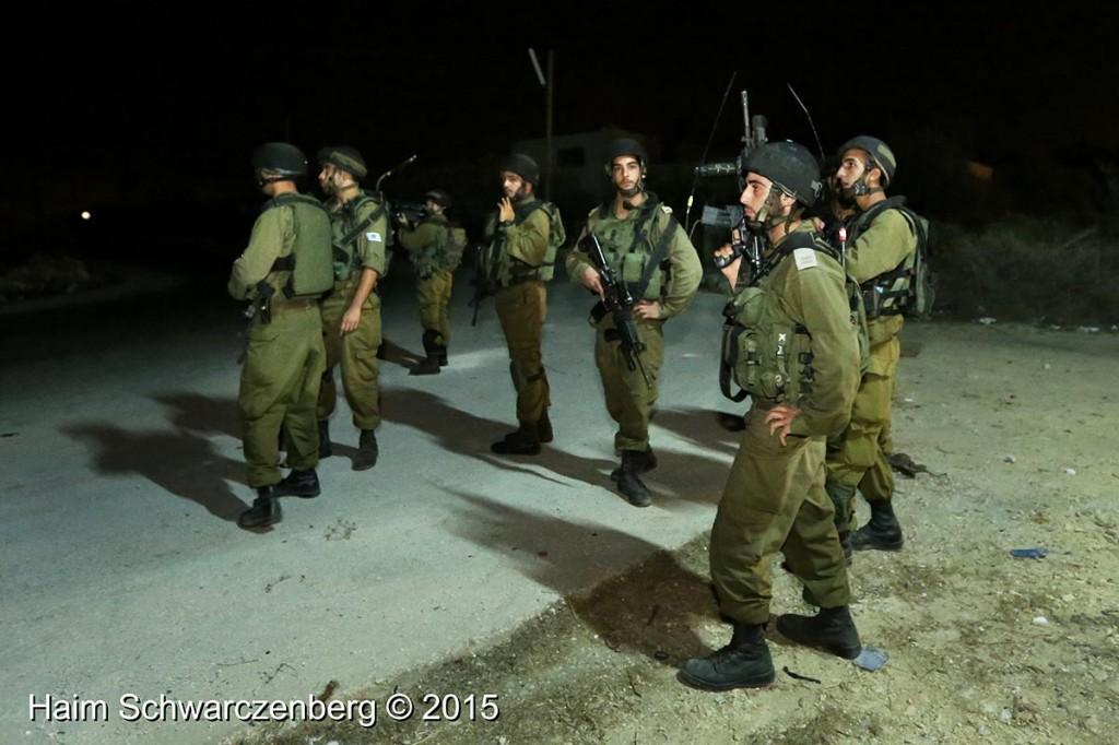 Firing live ammunition on Palestinian demonstrators 04/10/2015 | IMG_6438