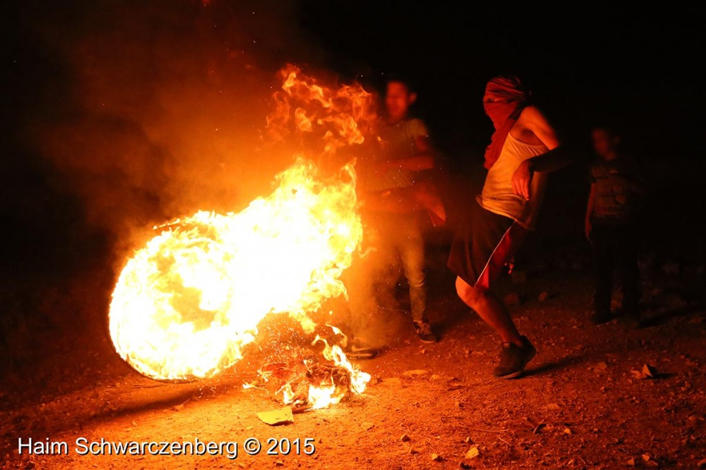 Firing live ammunition on Palestinian demonstrators 04/10/2015 | IMG_6482