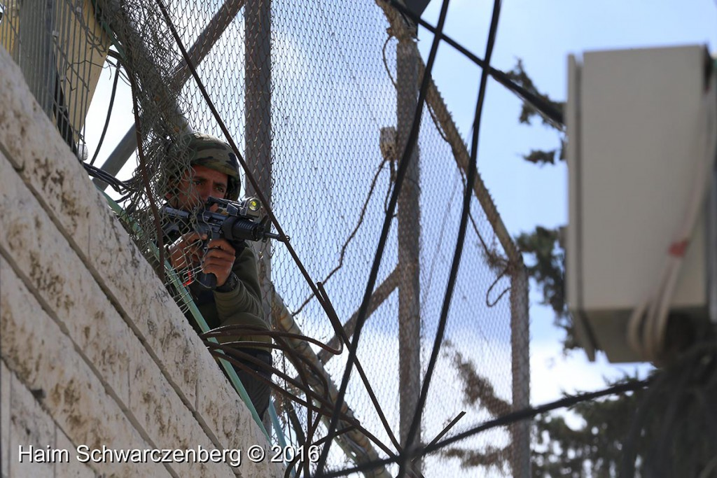 Protest in Hebron: Dismantle the Ghetto! Settlers leave Hebron! 20/02/2016 | IMG_1210