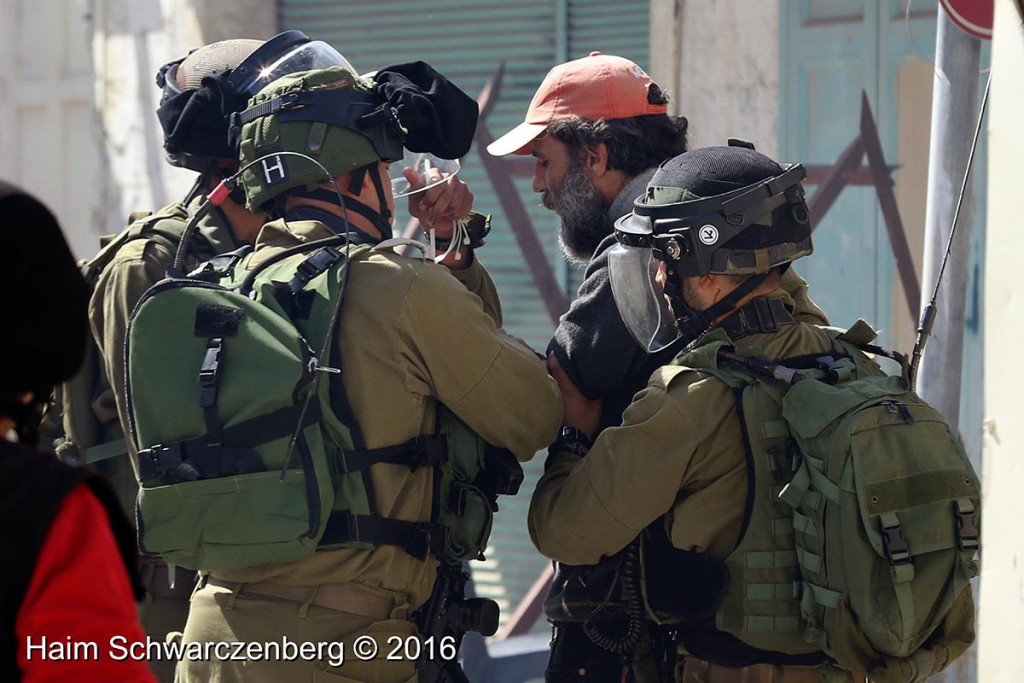 Protest in Hebron: Dismantle the Ghetto! Settlers leave Hebron! 20/02/2016 | IMG_1282