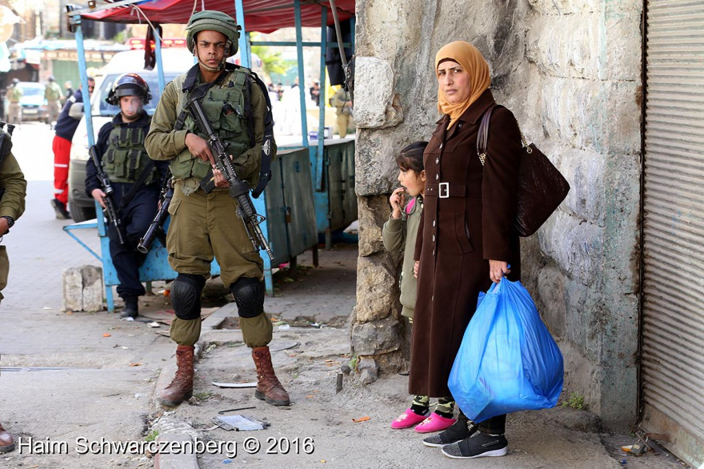 Protest in Hebron: Dismantle the Ghetto! Settlers leave Hebron! 20/02/2016 | IMG_1347