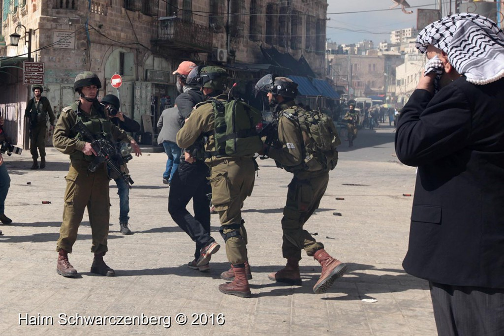 Protest in Hebron: Dismantle the Ghetto! Settlers leave Hebron! 20/02/2016 | IMG_1865